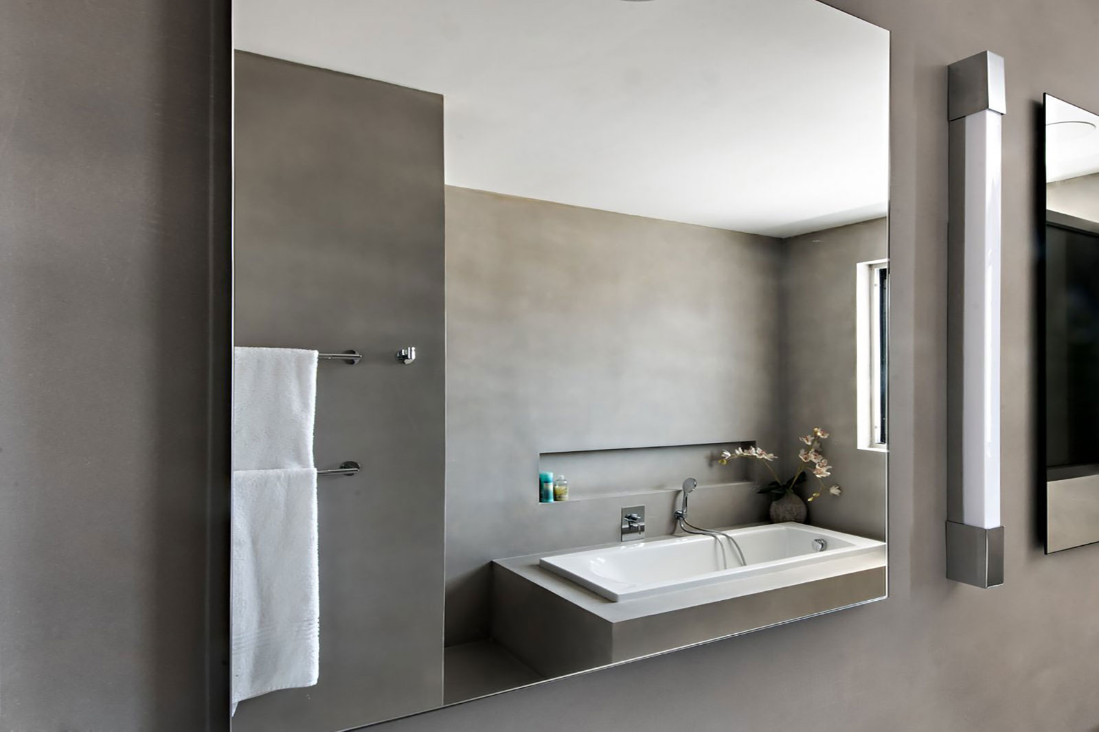 Concrete bathroom by BETONADA (28)