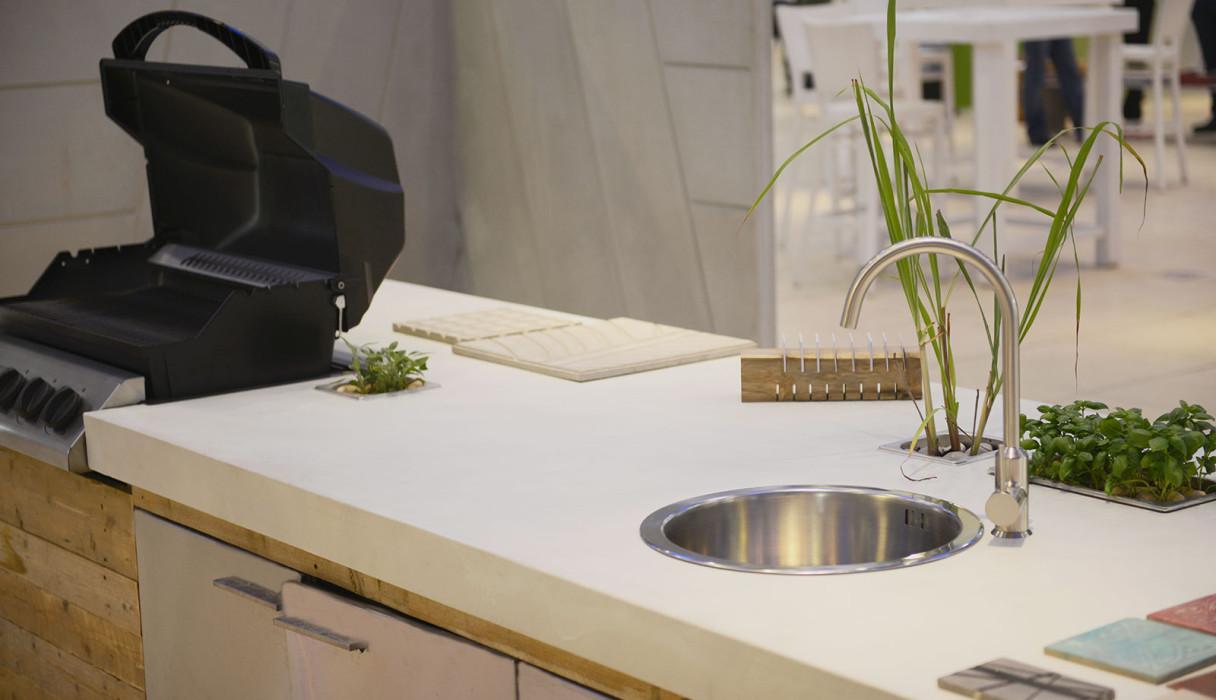 Concrete outdoor kitchen by BETONADA (14)