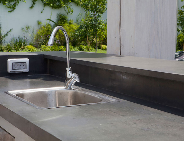 Concrete outdoor kitchen by BETONADA (29)