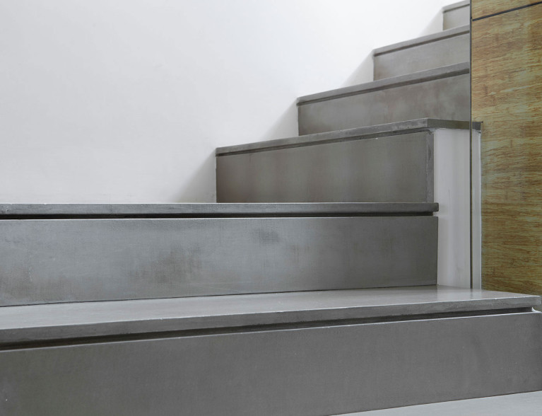 microtopping stairs _ By BETONADA  (19)