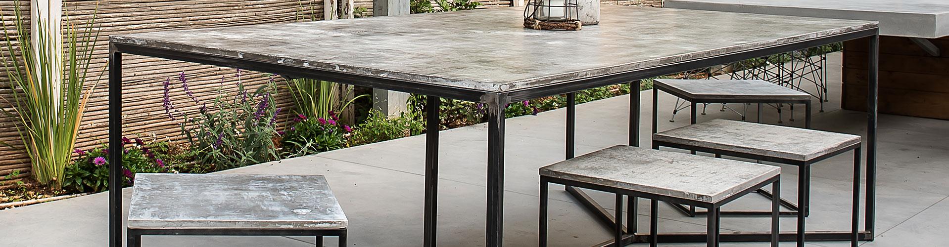 שולחן בטון מוחלק לגינה