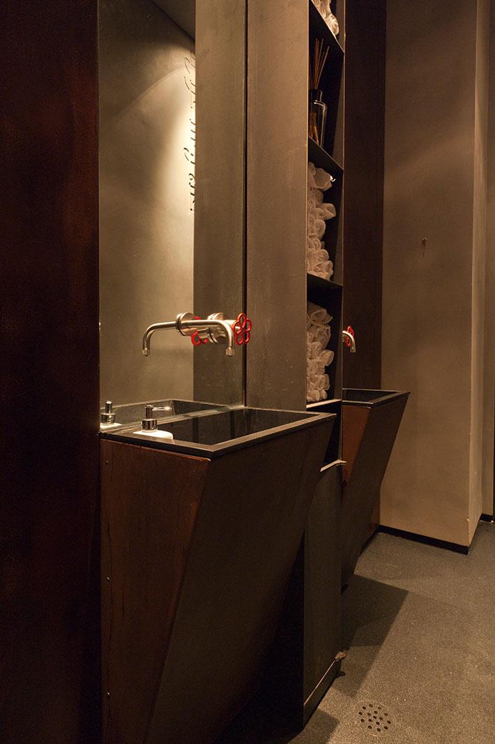 Concrete bathroom by BETONADA (36)