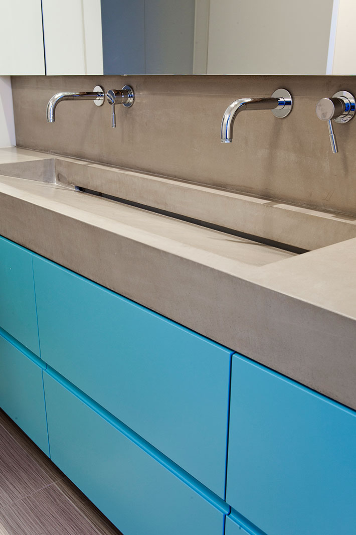 Concrete bathroom by BETONADA (42)