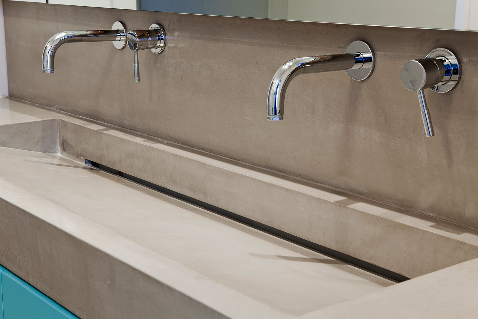 Concrete bathroom by BETONADA (43)