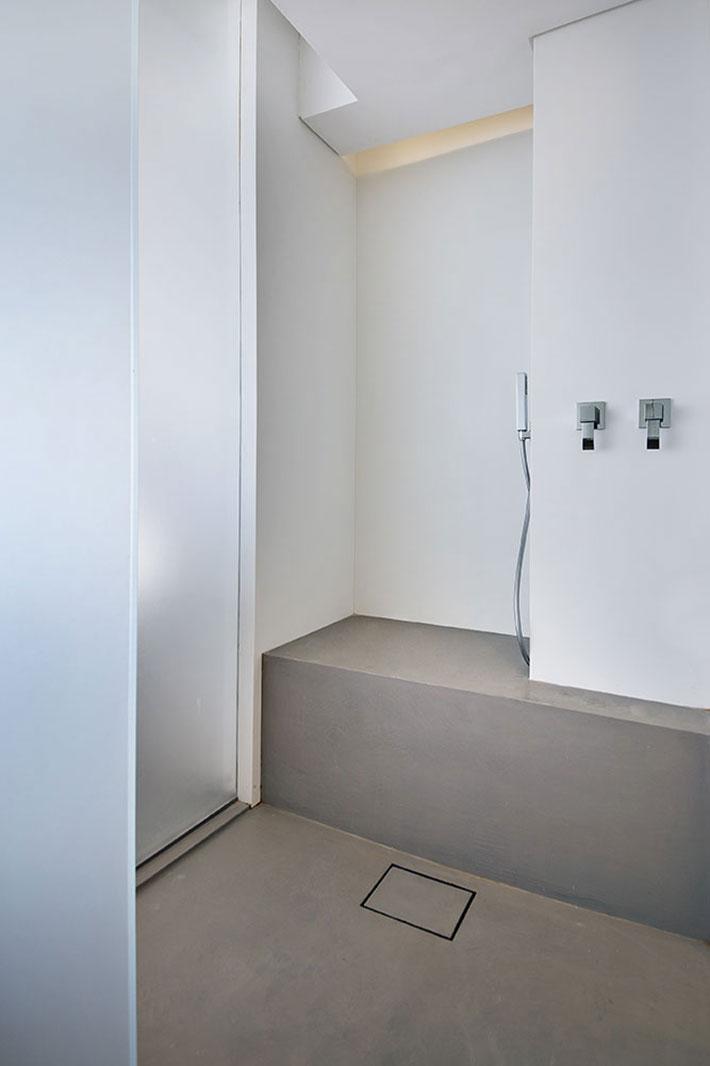 Concrete bathroom by BETONADA (48)