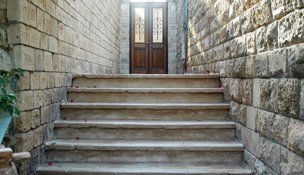 מדרגות מעוצבות מאבן